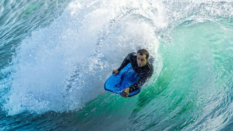 Técnico vence Campeonato Universitário de Bodyboard & Surf em Peniche