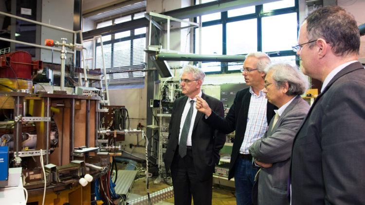 Visita do Painel Consultivo Externo às instalações do IPFN