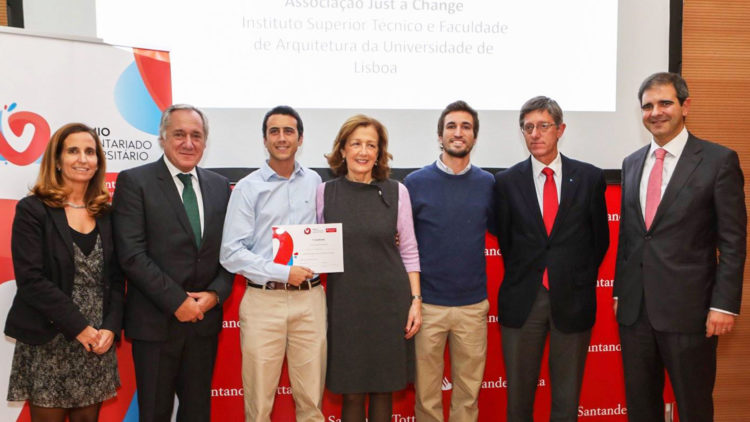 Técnico projects win University Volunteer Award