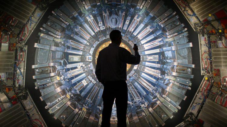 Carreiras e Tecnologia em Física de Partículas