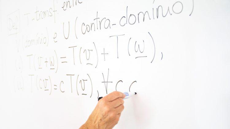 """Debate """"Os matemáticos e os Laboratórios Colaborativos"""""""