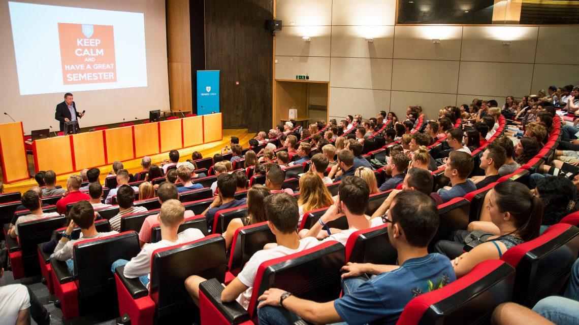"Técnico recebe estudantes ""de todos os cantos do mundo"""