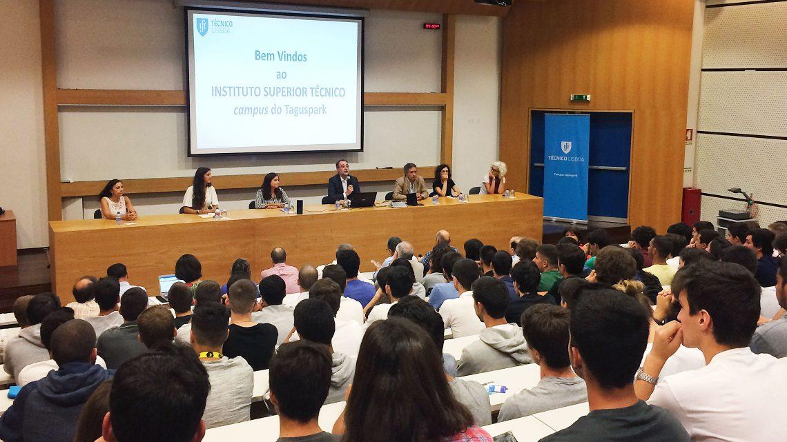 Cerca de 240 novos alunos do Taguspark recebidos em ambiente familiar