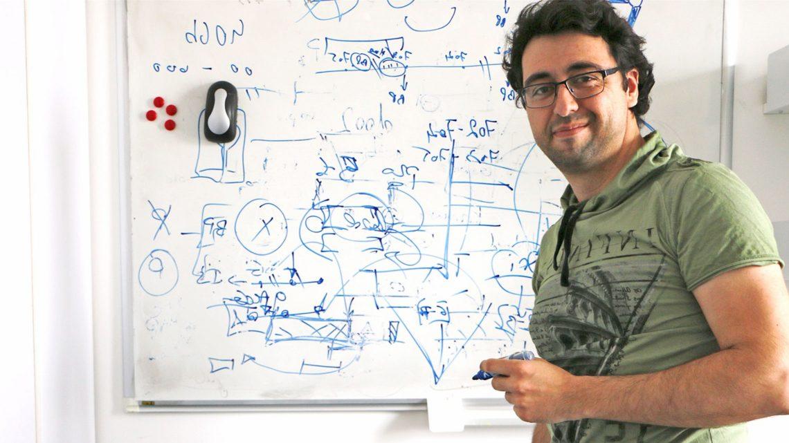 Alumnus do Técnico desenvolve estudo que explica de que forma as bactérias organizam a informação adquirida