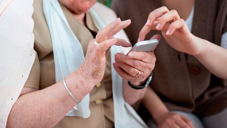 seminario-technology-usage-among-older-adults-joao-mariano