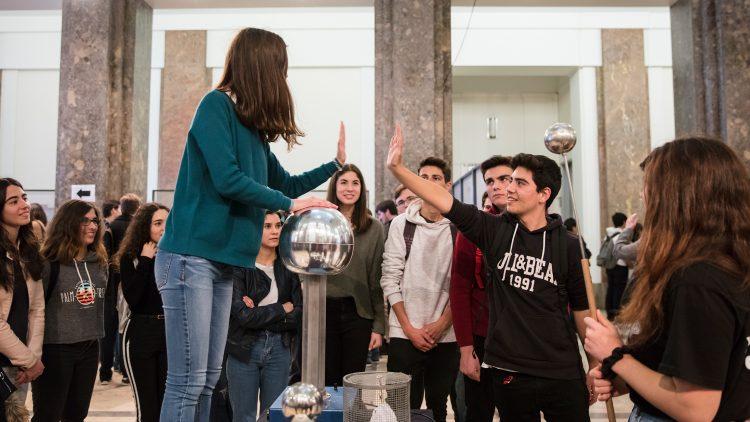 Enthusiastic students at Physics Week