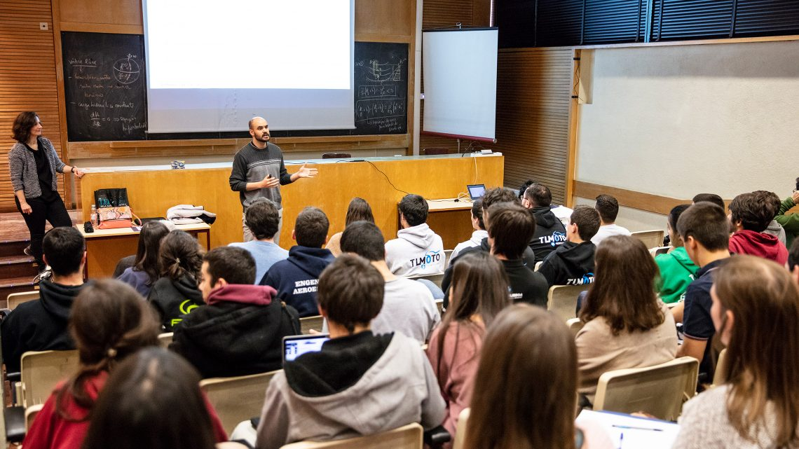 Increasing cooperation among Técnico' s student groups highlighted during the 8th annual meeting
