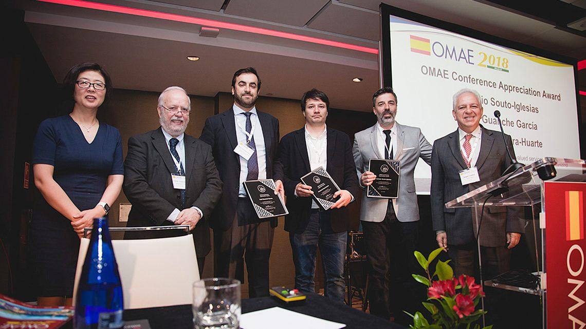 Professor Carlos Guedes Soares (2º a contar da esquerda) entre os premiados na Conferência OMAE