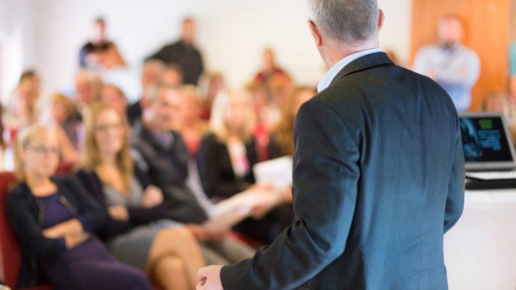 Curso de Técnicas de Apresentação em Público (para Engenheiros)