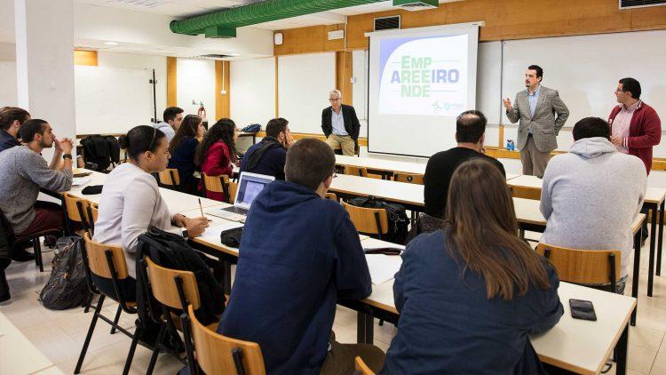 Sessão de esclarecimento revela interesse dos estudantes no programa AreeiroEmpreende