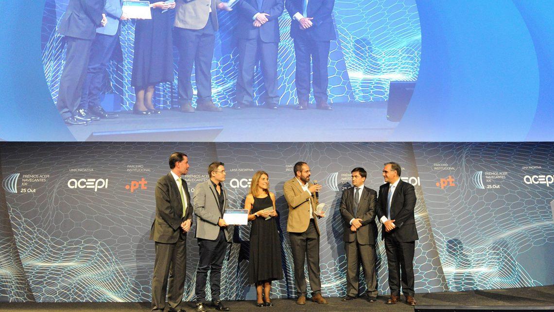João Nuno Silva e Luís cruz, do Técnico Lisboa, em palco para receber o prémio