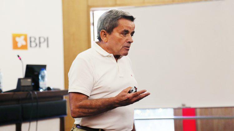 Professor António Maçanita homenageado antes da jubilação