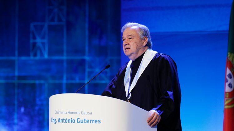António Guterres galardoado com prémio Carlos Magno