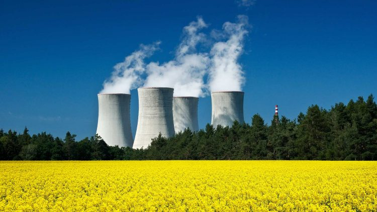 Environmental and health impacts of lifetime extension of nuclear power plants