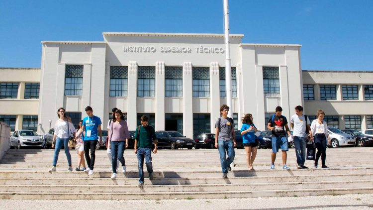 Academic subjects taught at Técnico ranked among the world's top 50 according to Shanghai Ranking