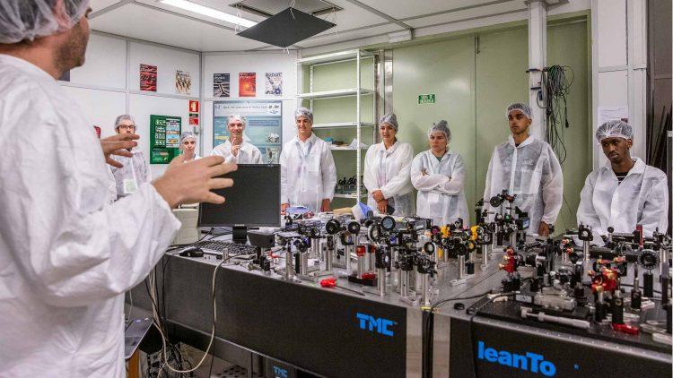 """Estudantes internacionais fascinados com """"campus"""" do Técnico"""