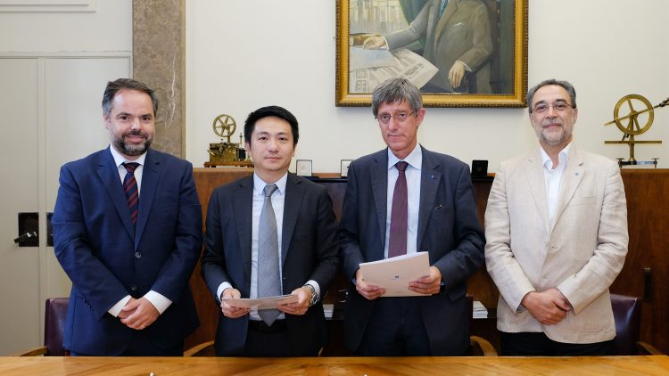 Técnico signs partnership with Huawei