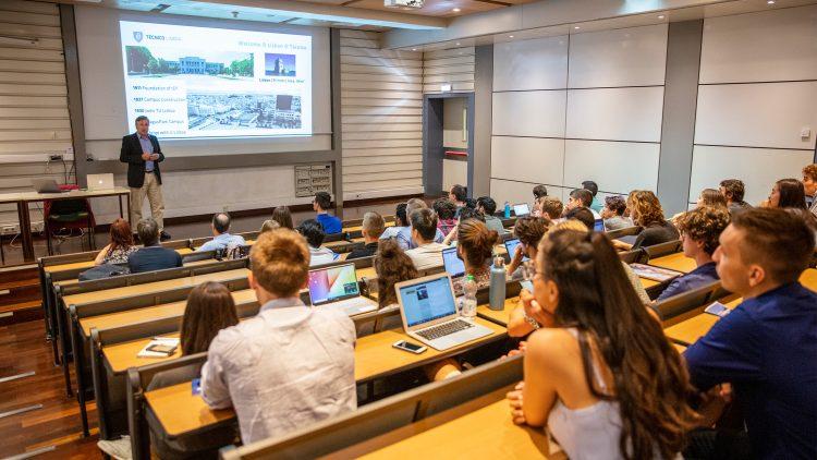 Cerca de 70 alunos dos programas InnoEnergy chegam à escola