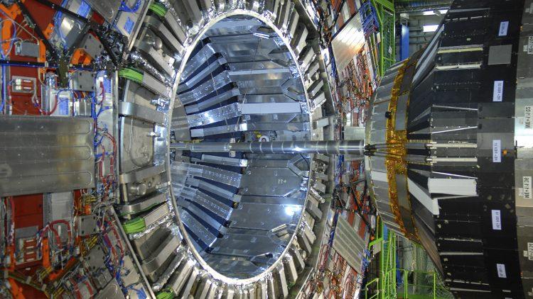 IDPASC: Curso de Física no LHC-CERN 2020