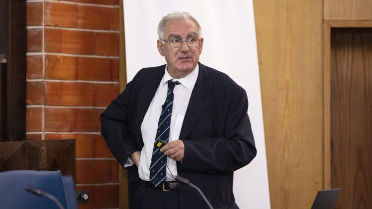 Professor Luiz Braga Campos' 50-year career celebrated at Técnico