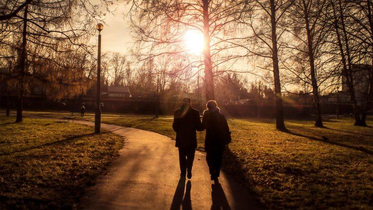 """Projeto """"Fall-in-Age"""" – Apresentação e Discussão"""