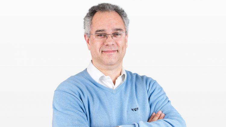 Colóquio de Física – Pedro Sebastião