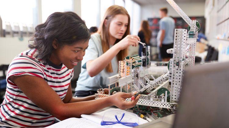 X Dia Internacional das Raparigas nas Tecnologias de Informação e Comunicação – Raparigas na Engenharia e Tecnologia