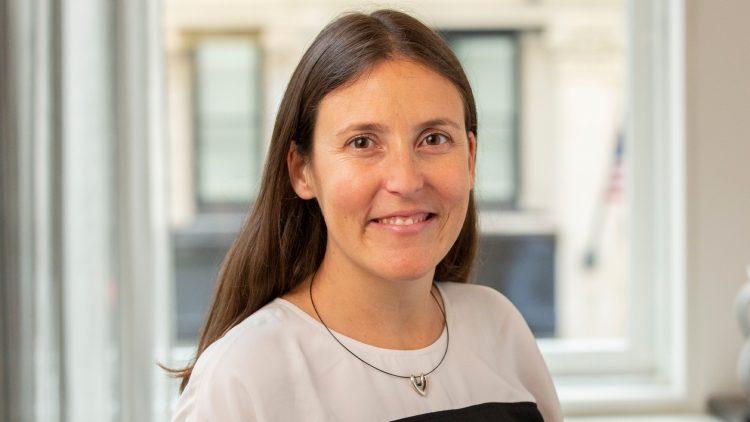 Seminário Matemática, Física & Aprendizagem Automática – Caroline Uhler