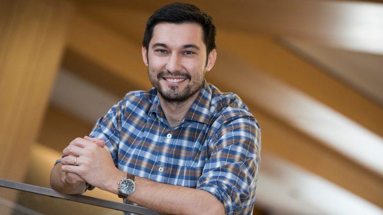 Seminário Matemática, Física & Aprendizagem Automática – Ulugbek Kamilov