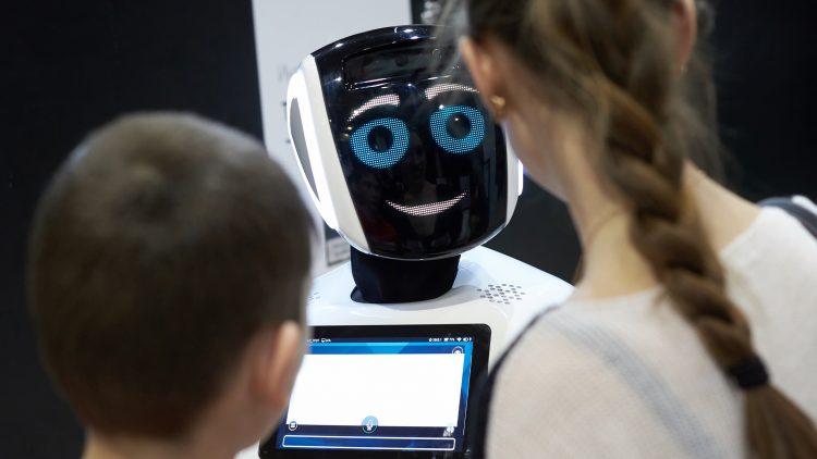 """Webinar """"Robótica e Inteligência Artificial na Sociedade: Impactos e Desafios"""""""
