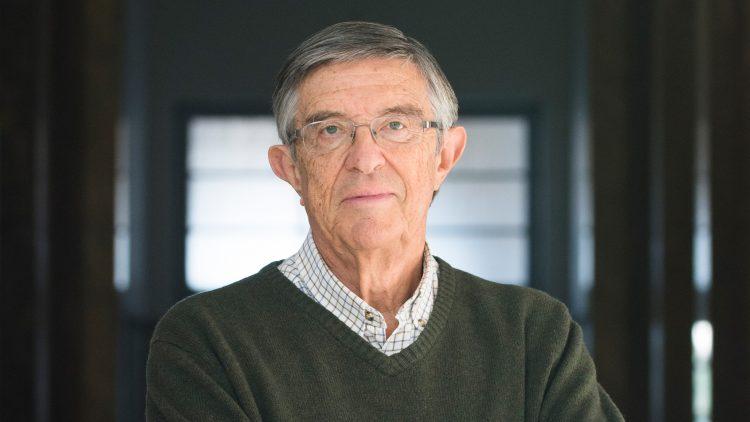 Professor Carlos Salema distinguido com Medalha de Mérito Científico