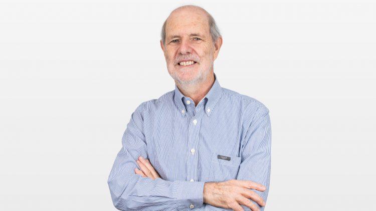 Professor Carlos Sousa Oliveira distinguido pela Associação Europeia de Engenharia Sísmica
